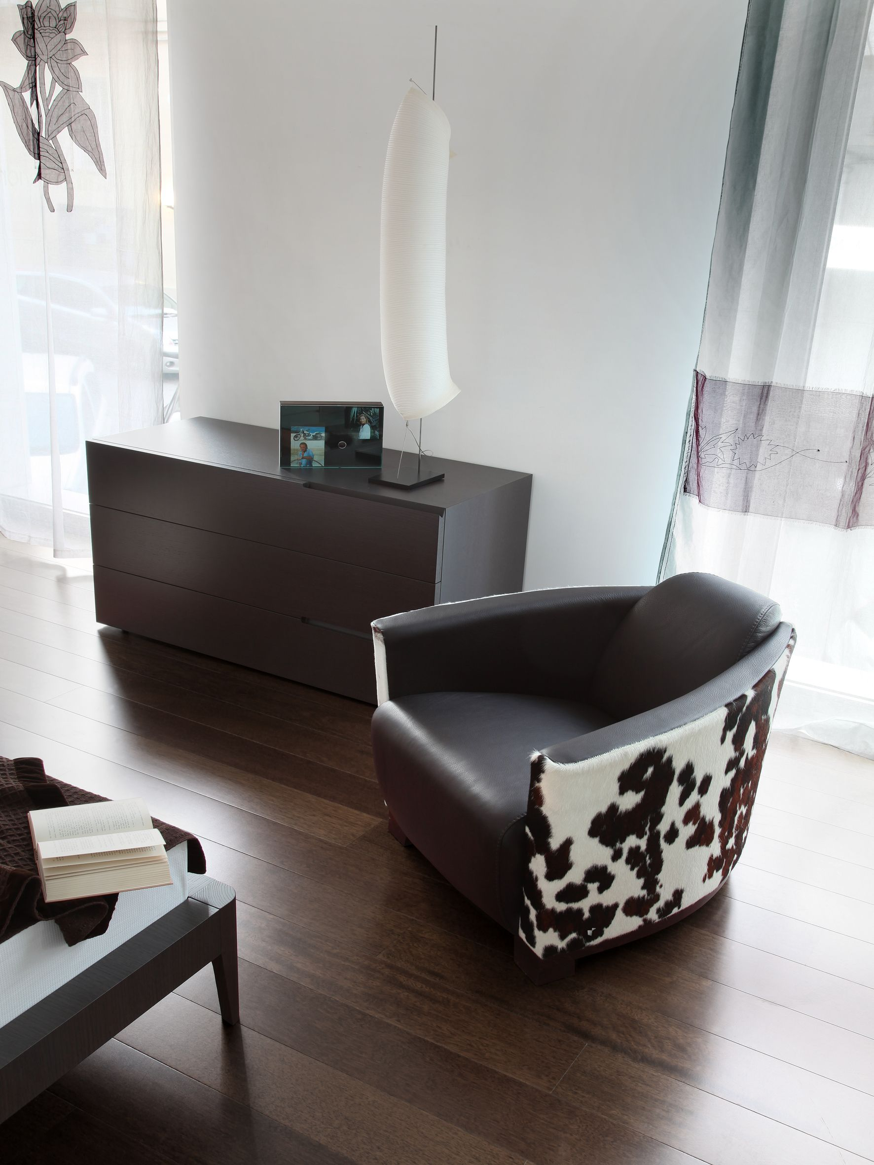 italian sofas upholstered furniture calia italia hotel. Black Bedroom Furniture Sets. Home Design Ideas