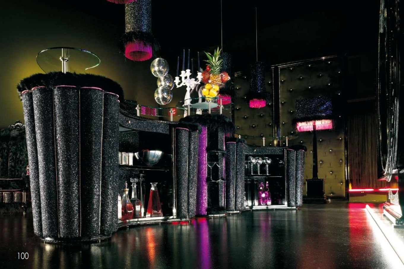 Luxurious Furniture Luxury Bar Composition Alta Moda